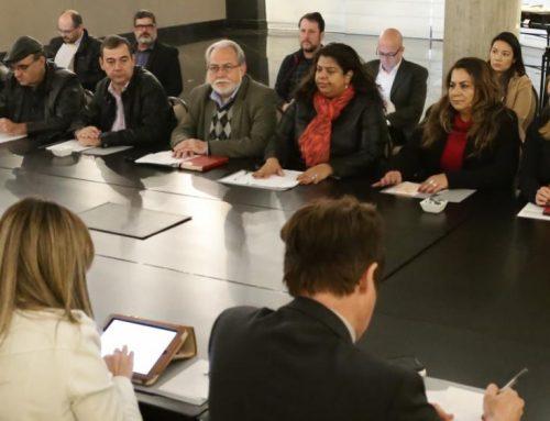 Avança debate sobre centros de realocação e requalificação